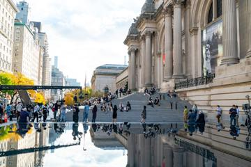 A view of the atmosphere during filming for 'Gossip Girl' outside the Metropolitan Museum of Art in the Upper East Side on November 10, 2020 in New York City. (Photo by Gotham/GC Images)