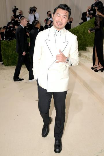 NEW YORK, NEW YORK - SEPTEMBER 13: Simu Liu attends The 2021 Met Gala Celebrating In America: A Lexicon Of Fashion at Metropolitan Museum of Art on September 13, 2021 in New York City. (Photo by Jeff Kravitz/FilmMagic)