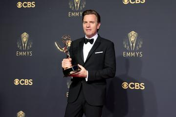 LOS ANGELES, CALIFORNIA - SEPTEMBER 19: Ewan McGregor, winner of the Outstanding Lead Actor in a Limited or Anthology Series or Movie award for 'Halston,' poses in the press room durinEwan McGregorg the 73rd Primetime Emmy Awards at L.A. LIVE on September 19, 2021 in Los Angeles, California. (Photo by Rich Fury/Getty Images)