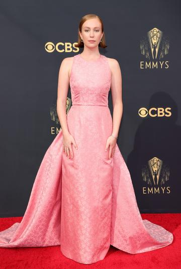 LOS ANGELES, CALIFORNIA - SEPTEMBER 19: Hannah Einbinder attends the 73rd Primetime Emmy Awards at L.A. LIVE on September 19, 2021 in Los Angeles, California. (Photo by Rich Fury/Getty Images)